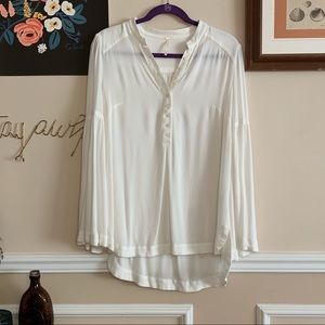 FREE PEOPLE BELL SLEEVE WHOTE TUNIC